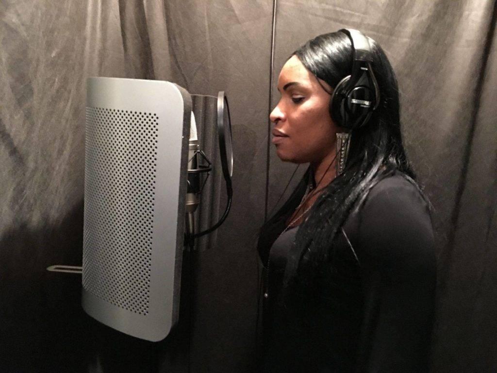 Carmeletha in Studio
